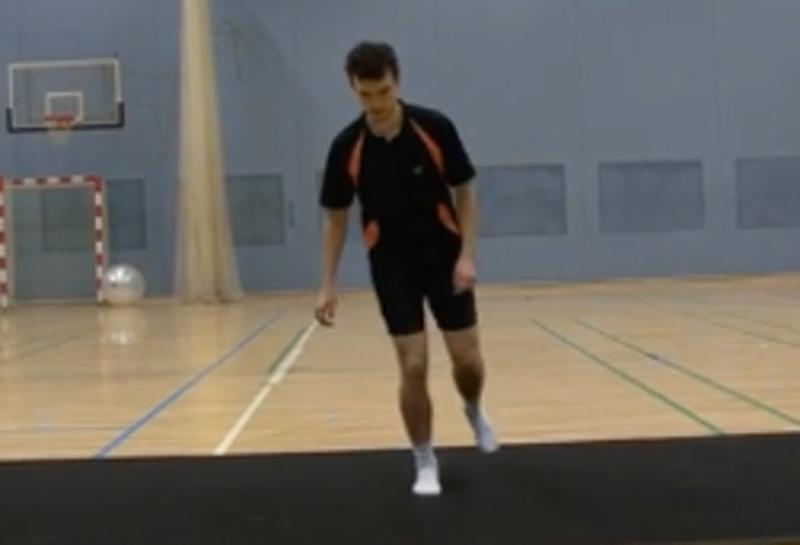 Exercici per enfortir cames i turmells