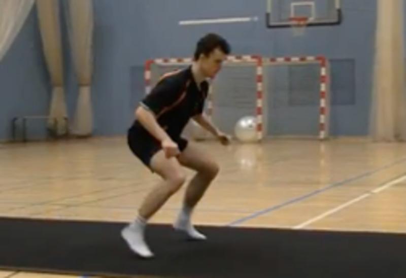 Ejercicio para fortalecer las piernas y mejorar la coordinación