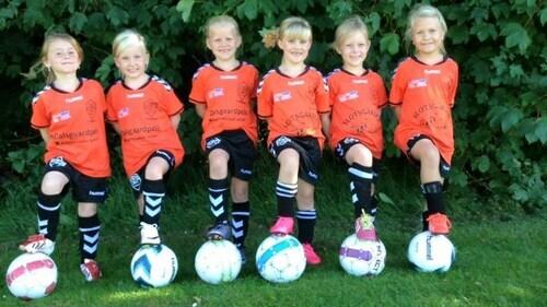 U7-pigerne-i-terndrup-if-fodbold-har-voksev%c3%a6rk