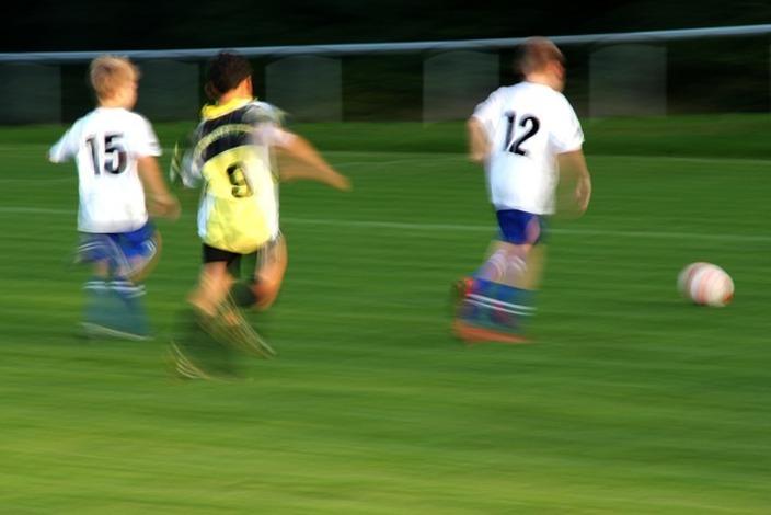 Football-412059_640