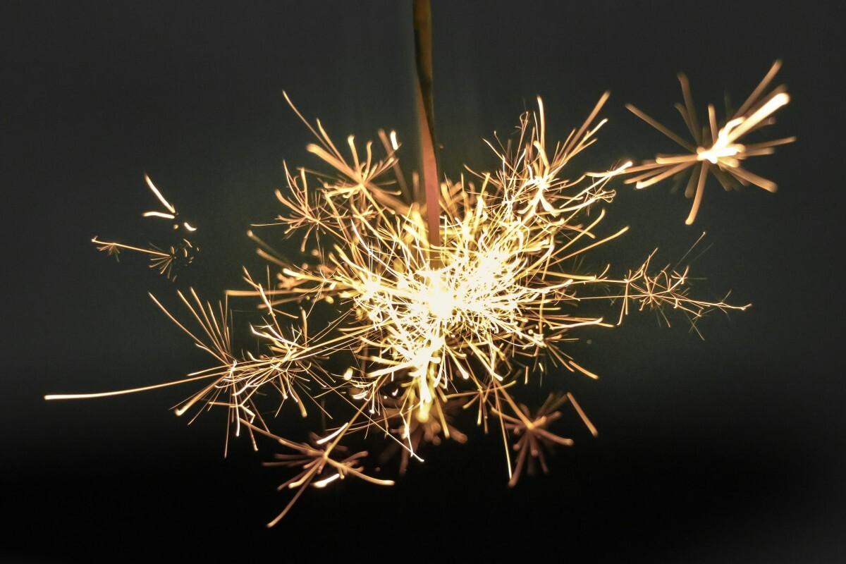 Sparkler_firework_light_spark-15548