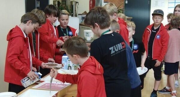 Ishockeycamp2019_bespisning_v3