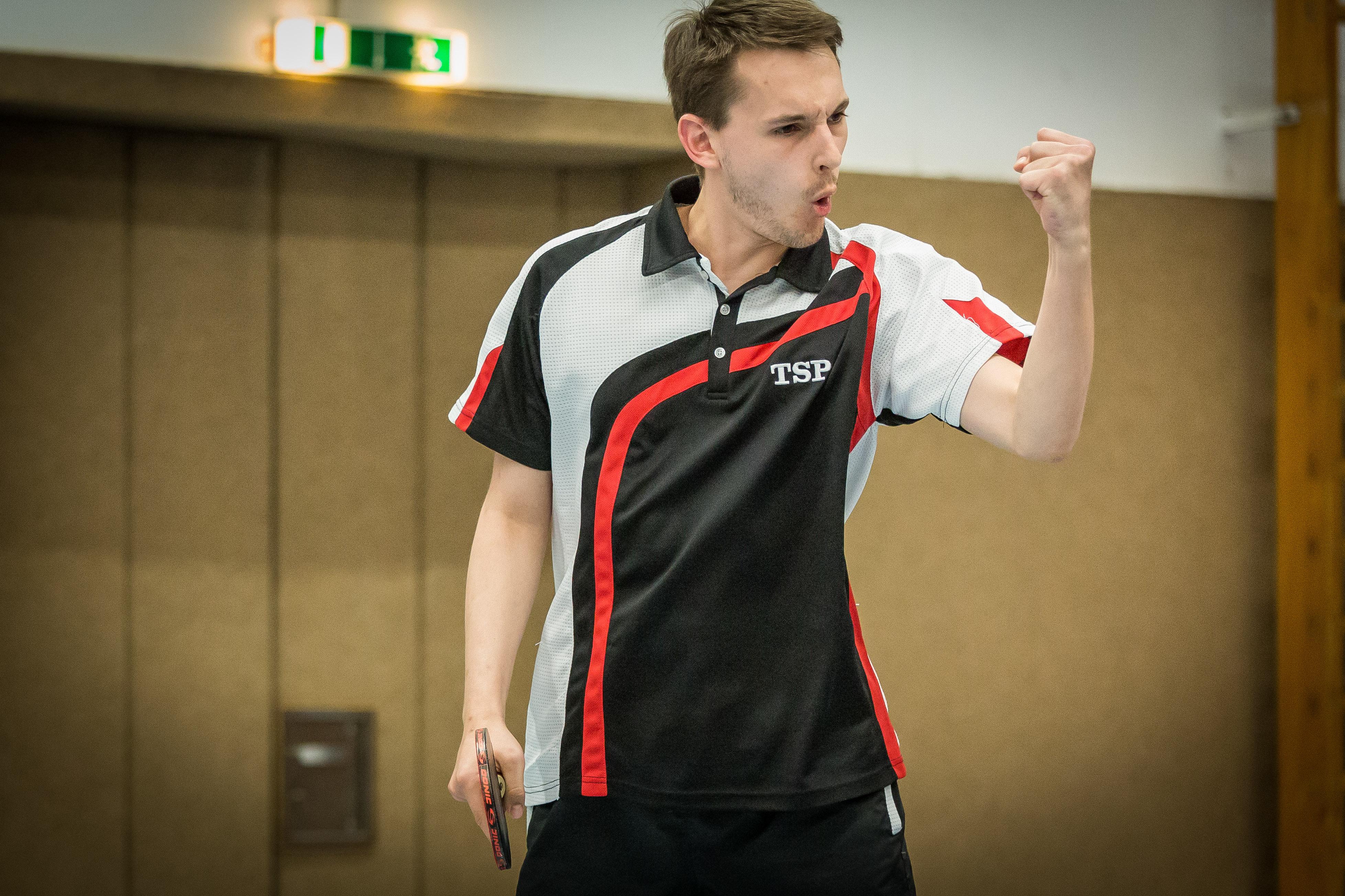 Matchwinner Tobias Brehm im entscheidenden Einzel