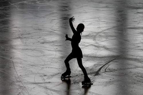 Figure-skating-3198861_960_720