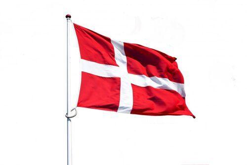 Flag3-1030x691