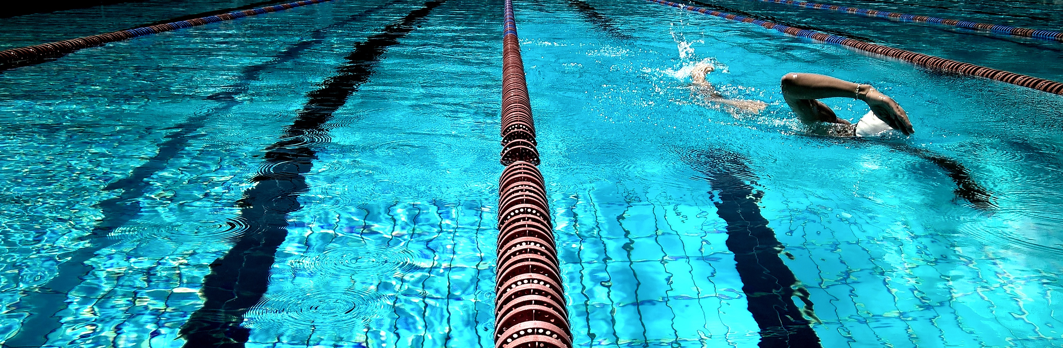 Canva%20-%20close%20up%20photo%20of%20swimming%20rope%20%281%29