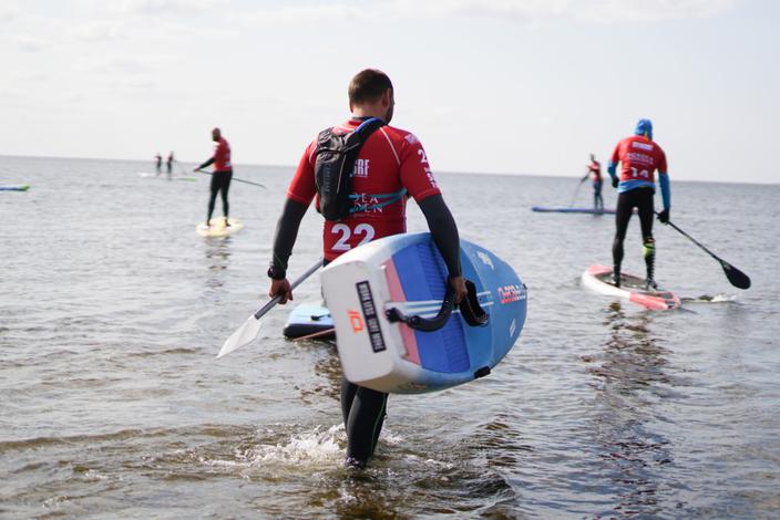 Sup-og-surfing-er-nemt-at-l%c3%a6re-og-giver-muligheden-for-at-v%c3%a6re-i-kontakt-med-vandet-og-naturen.-foto_jakobgjerluff-dsrf-1030x563