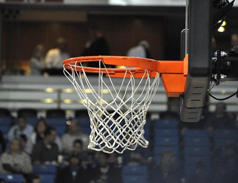 776px-Basketball_net.jpg