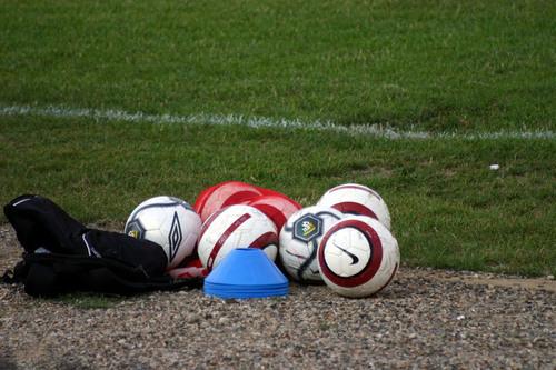 Soccer-balls-1548508-639x426