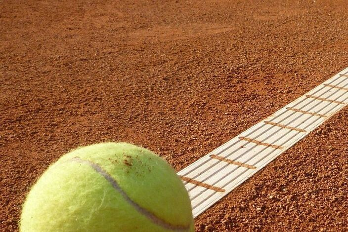 Tennis-court-443267_1920