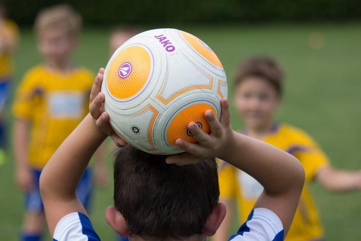 Football-2911183_1920