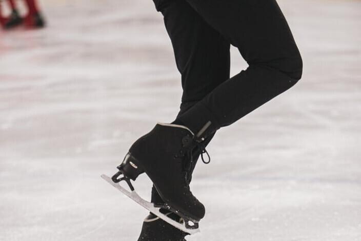 Black_skates