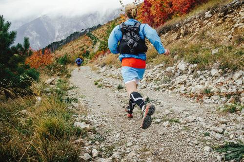 In%c3%adciate-trail-running-seguridad-deporvillage-4-1024x683