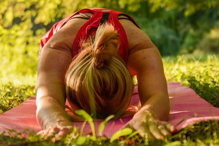 Yoga-2662237_1920_edited