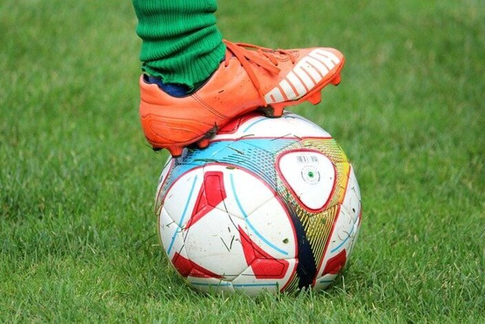 Soccer-shoes-4459679_640