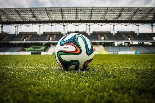 Soccer-488700_640